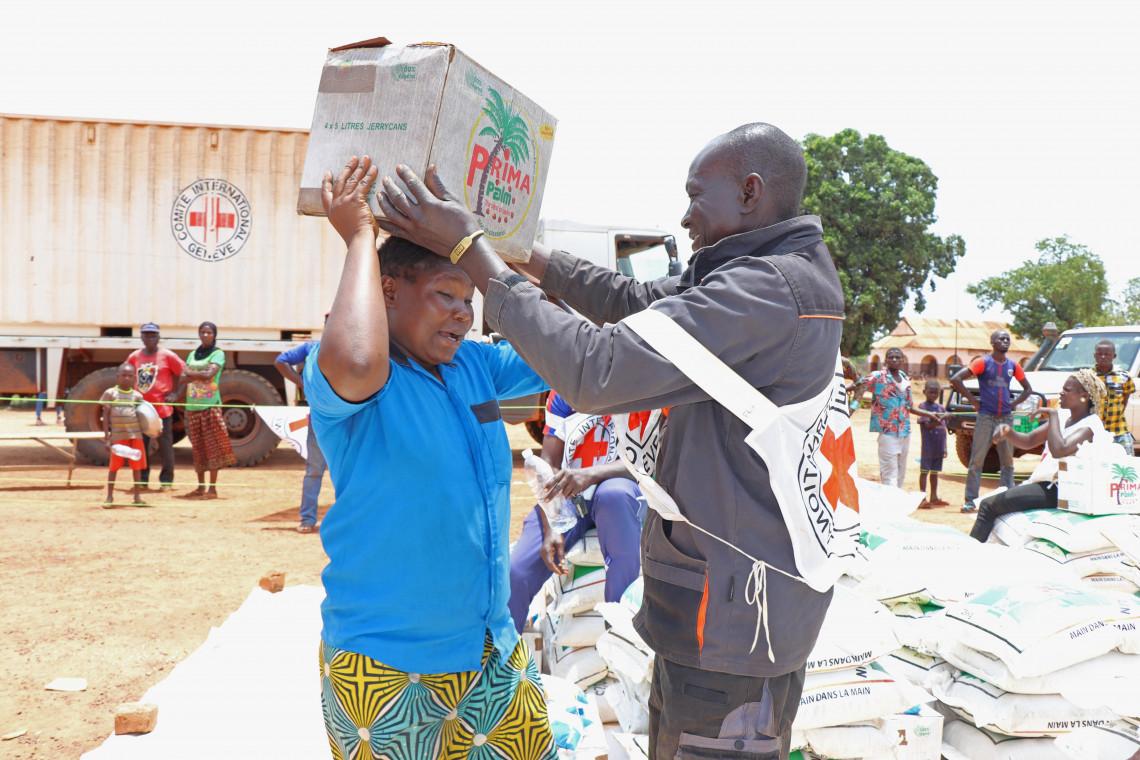 République centrafricaine : des milliers de personnes reçoivent des vivres à Grimari