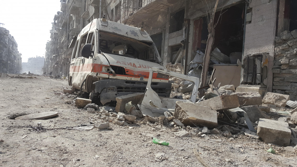 Ambulances, professionals and health facilities suffer attacks, which prevent patients from being seen. ICRC | Sana Tarabishi