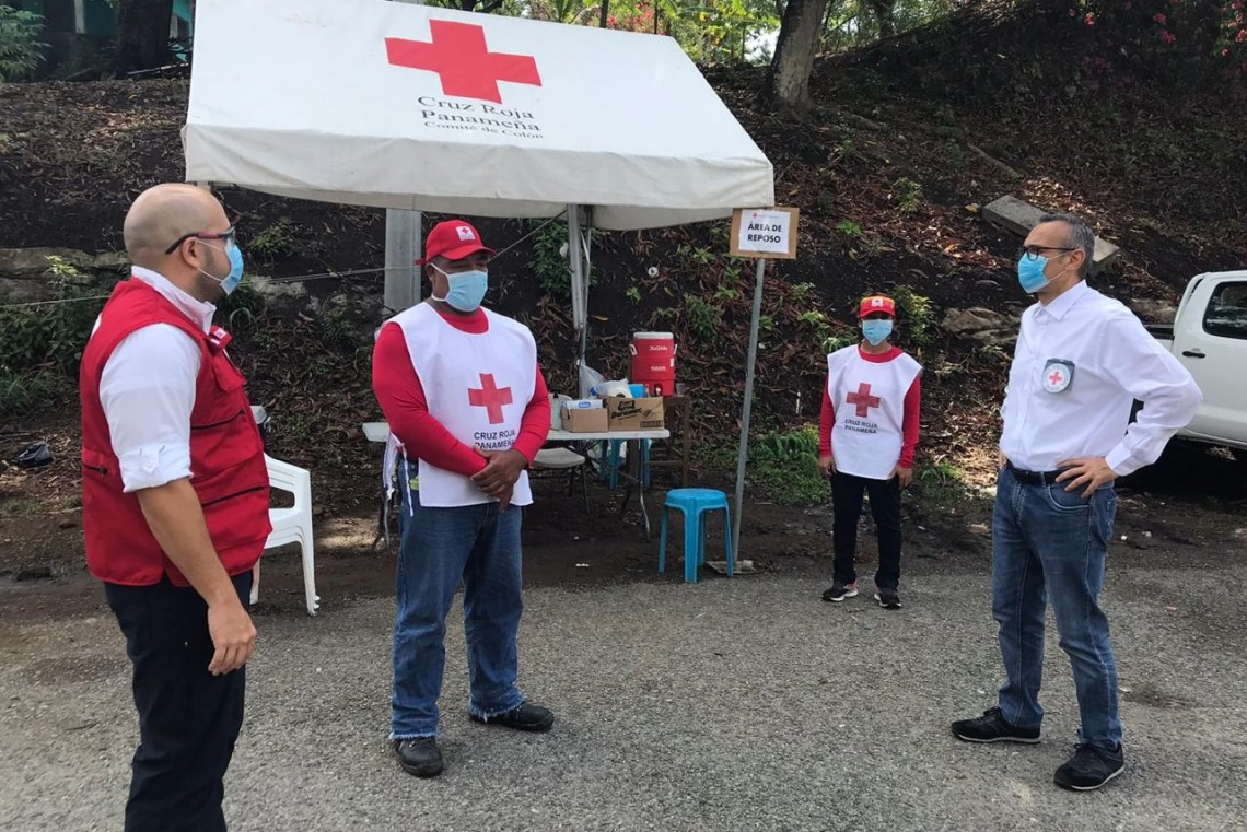 In Panama, Panamanian Red Cross volunteers are helping put COVID-19 prevention measures in place