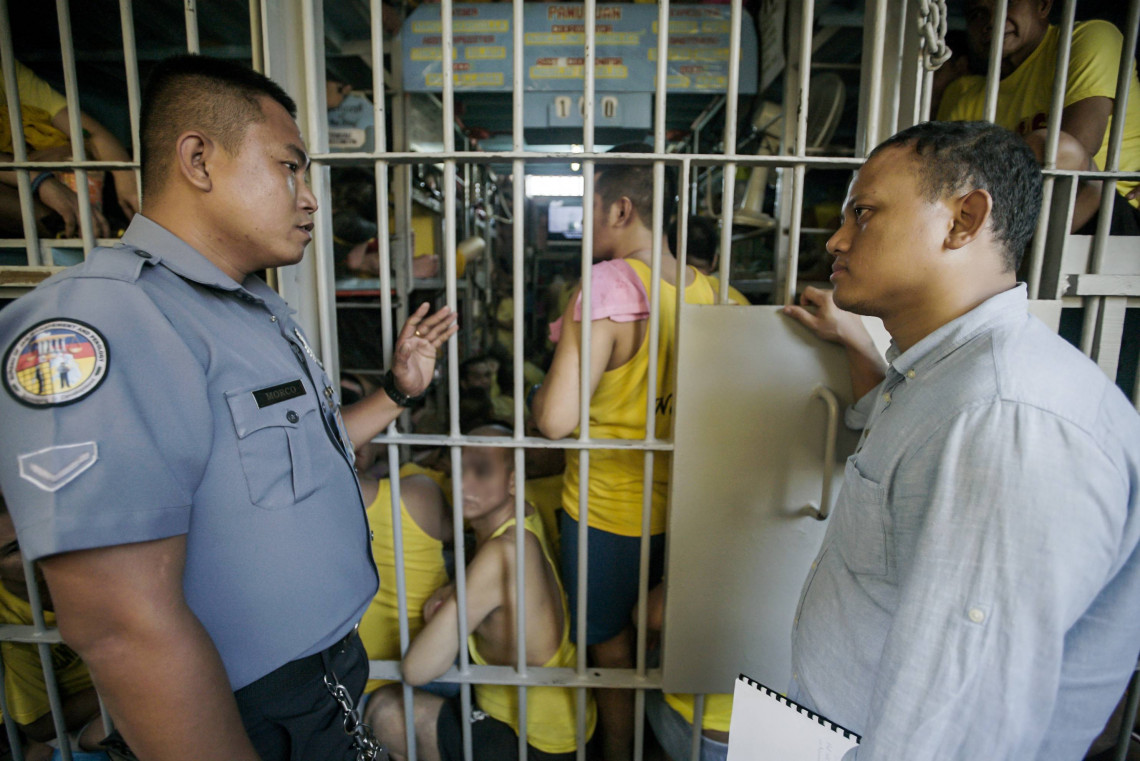 How can improved human resource management in jails better address detainees' needs?