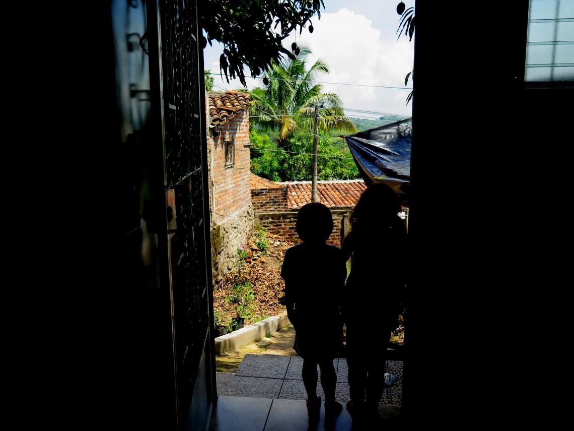 El Salvador: ACNUR y CICR acuerdan coordinar la respuesta humanitaria y de protección en favor de población desplazada internamente