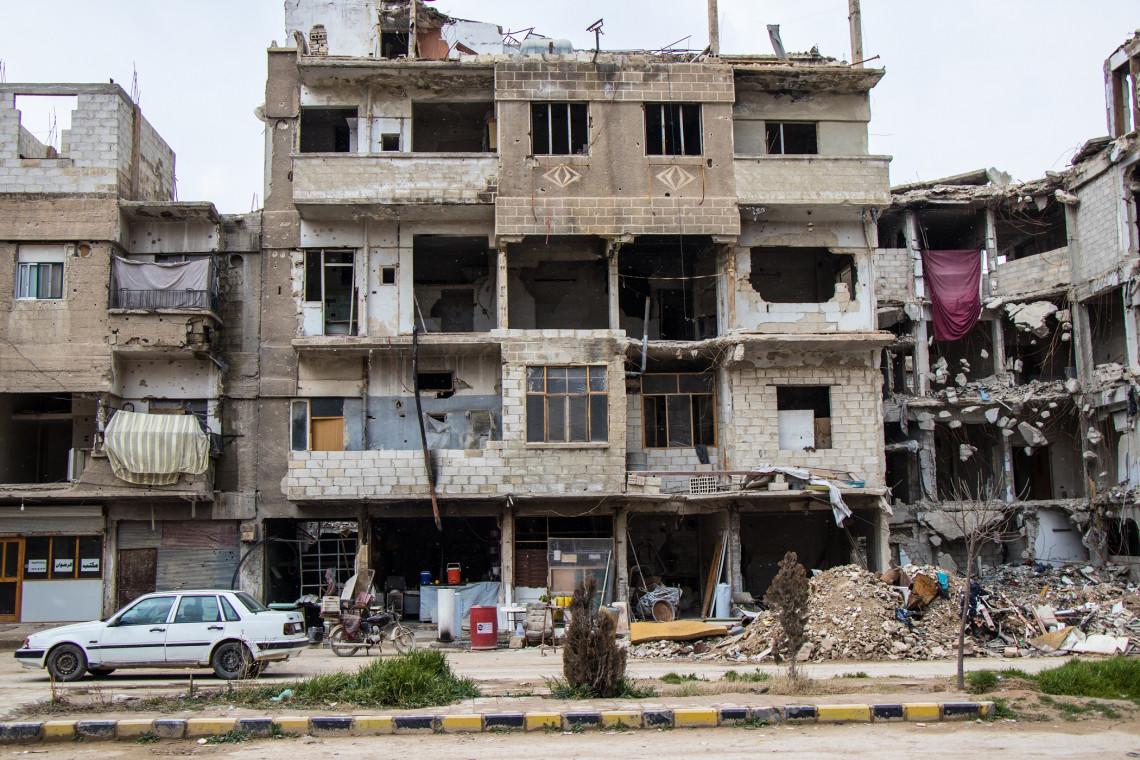 Nach beinahe zehn Konfliktjahren ist Syrien bei knappen Ressourcen mit der COVID-19-Pandemie konfrontiert. Unzählige Familien sind betroffen.