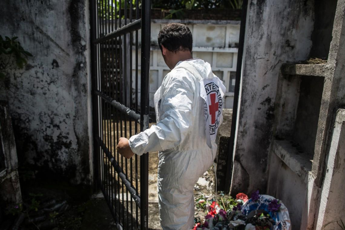 Handhabung von Leichen sowie Umgang mit Verstorbenen und ihren Familien während der Covid-19-Pandemie.