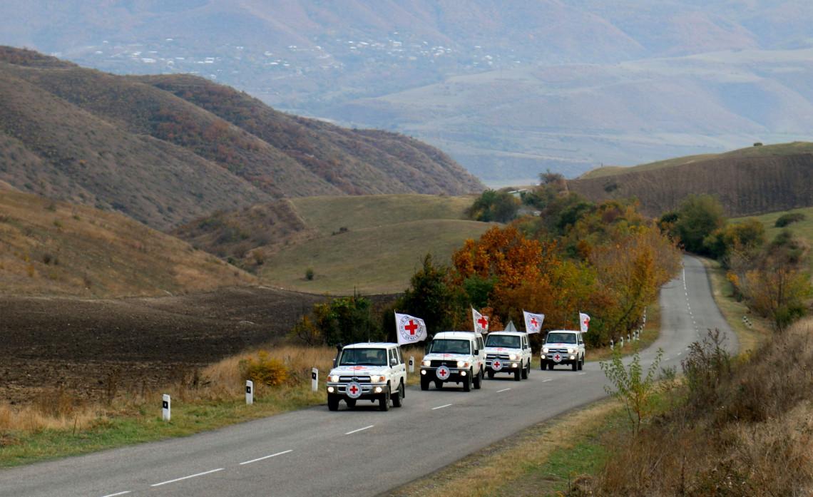 Konflikt in Berg-Karabach: IKRK steht bereit, die Übergabe sterblicher Überreste der im Kampf getöteten Personen und die Freilassung von Gefangenen zu unterstützen