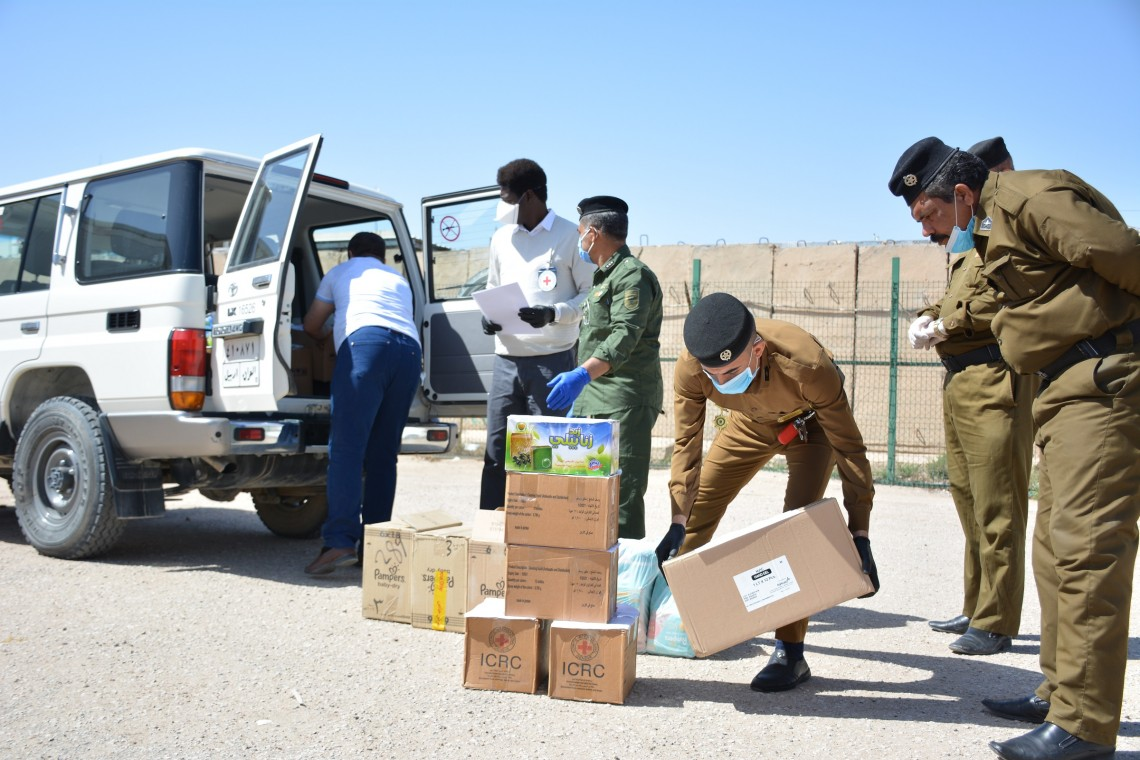 Donation of hygiene materials to prison in Najaf to help them tackle COVID-19.