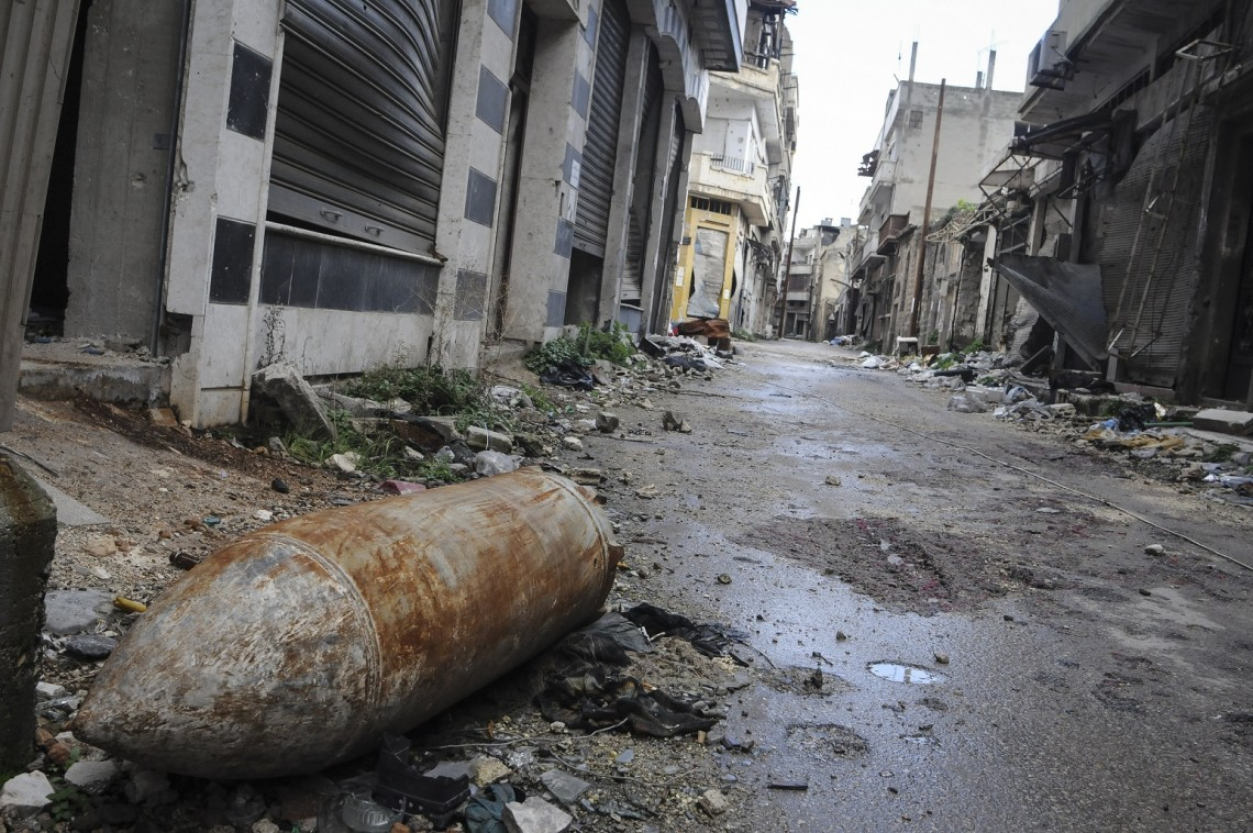 Unexploded ordnance in the street of Homs, Syria in 2015. Anthony Voeten TEUN/ICRC