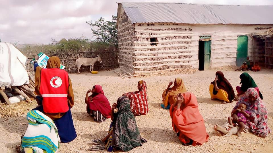 Red Crescent volunteer teams are carrying out risk communication and community engagement action to help halt the spread of COVID-19 in Somalia / Somalia Red Crescent Society