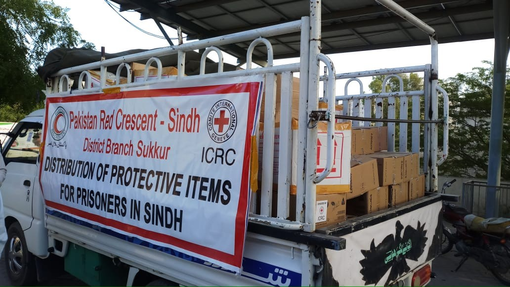 The ICRC and PRCS distribute hygiene supplies at places of detention in Sindh for COVID-19 prevention
