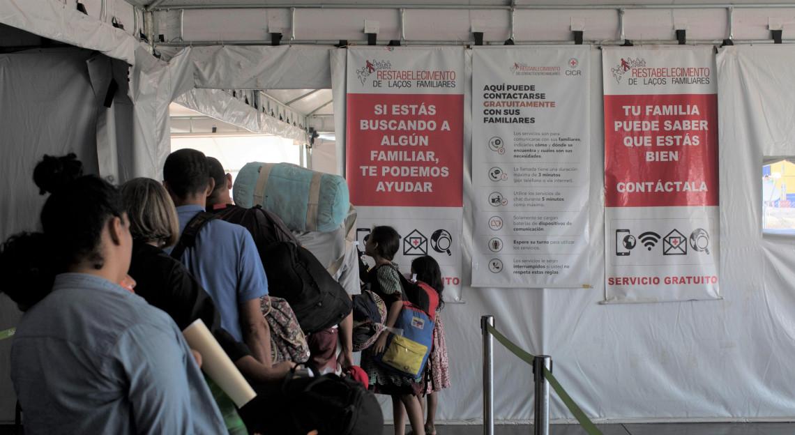 Cruz Vermelha intensifica apoio a migrantes venezuelanos, incluindo refugiados, em 17 países das Américas