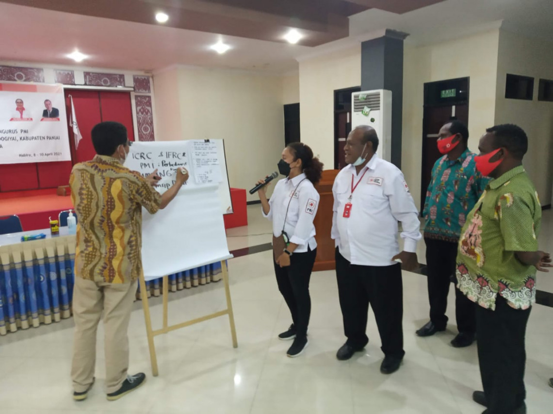 ICRC collaborates with the PMI in the Papua Province