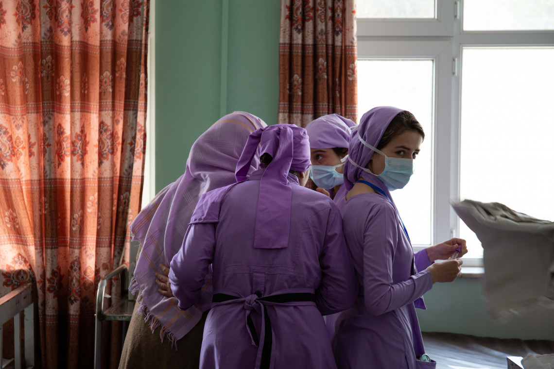Trainee midwives prepare the labour ward for the first patients of the day at Mirwais Hospital, Kandahar, Afghanistan / Lynzy Billing