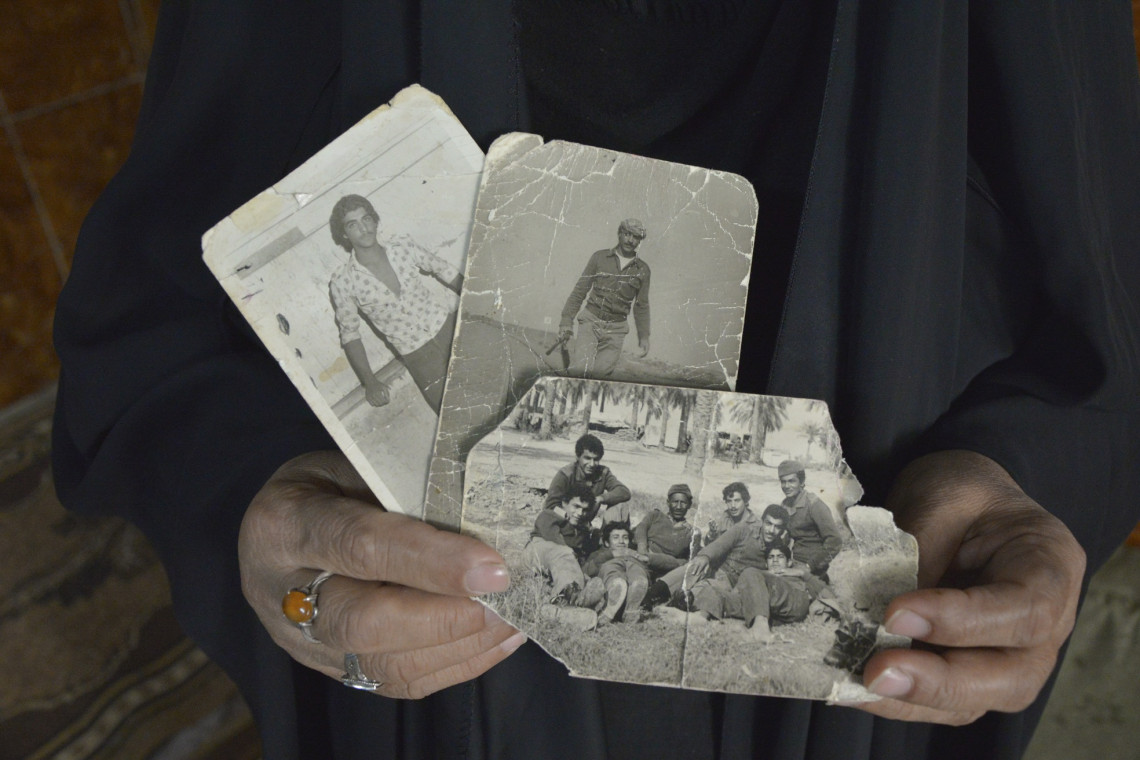 Aus den Archiven: Bagdad. Porträt einer Familie, die einen Angehörigen seit dem Irak-Kuwait-Krieg vermisst. / Mohammad Jawad Al Hamzah