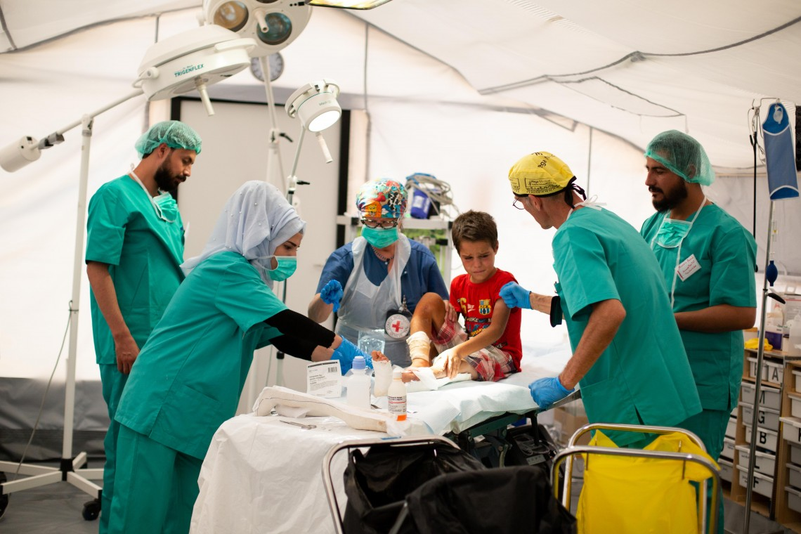 The ICRC runs a field hospital with the Syrian Arab Red Crescent in Al Hol. Mari Aftret Mørtvedt/ICRC