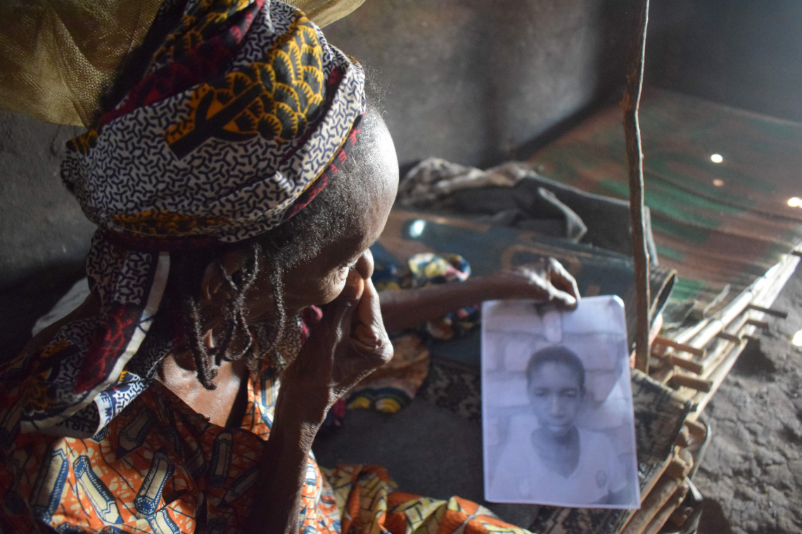 In 2014, this woman lost track of her grandson while fleeing the violence in the Central African Republic. After 5 years of separation, the ICRC traced the child in Chad and organized the reunification with his grandmother.