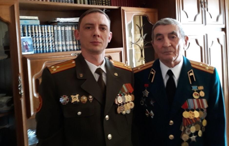Александр Гладышев с отцом, Николаем Гладышевым. Фото из личного архива