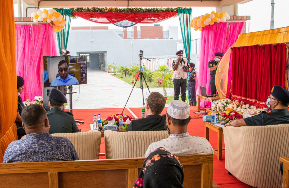 Innenminister Asaduzzaman Khan bei der Online-Einweihung von drei COVID-19-Isolierstationen in Dhaka, Feni und Kishoreganj. S. HOSSAIN/IKRK