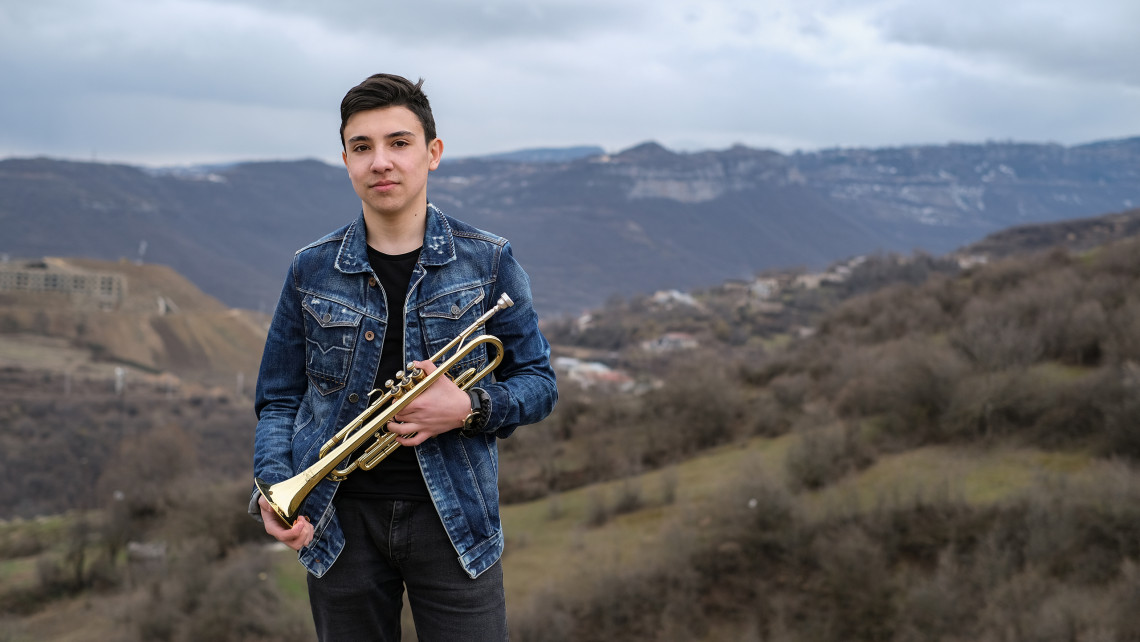 Vahagn and his trumpet, overcoming life's challenges.
