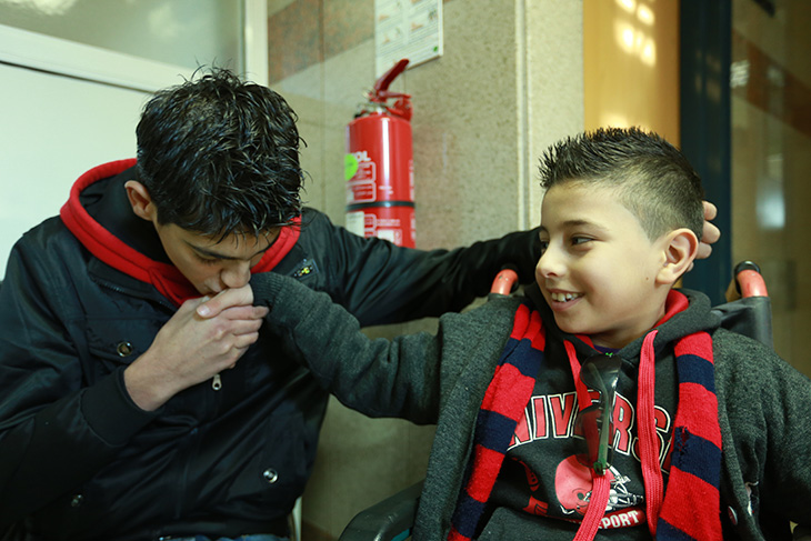 红十字会委员会成立_黎巴嫩:叙利亚的儿童难民在红十字国际委员会的医院接受治疗 ...
