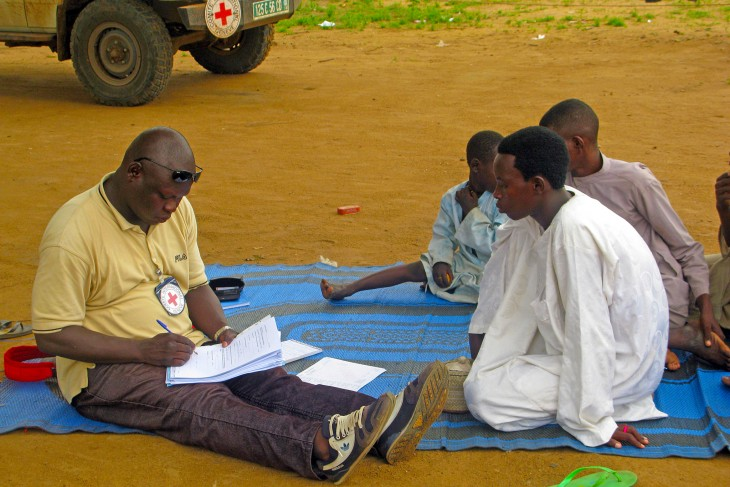 An ICRC employee registers unaccompanied children in Baga Sola, Chad. CC BY-NC-ND / ICRC / Jesus Serrano Redondo