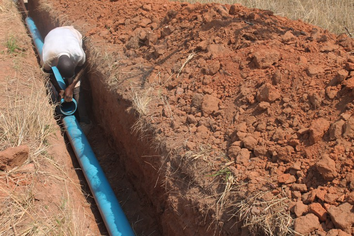 Chikurubi Farm Prison inmates lay pipes connecting the three boreholes to the existing Zimbabwe National Water Authority water reservoirs that supply water ... & Zimbabwe: Improving access to water at Chikurubi Prison Complex ...
