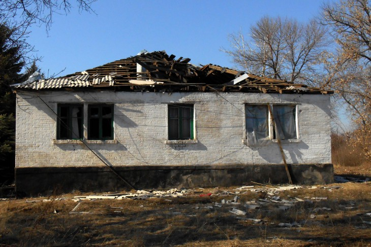 Donetskiy, Ukraine. A house with its roof blown off by shelling.